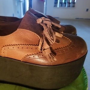 "Jeffrey Campbell 10 3.34"" platform oxford loafers"